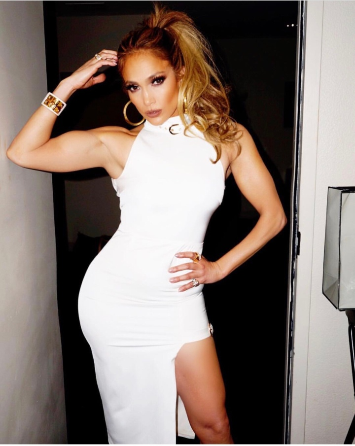 Jlo Looked absolutely stunning in this gorgoeus white dress she wore in Las Vegas